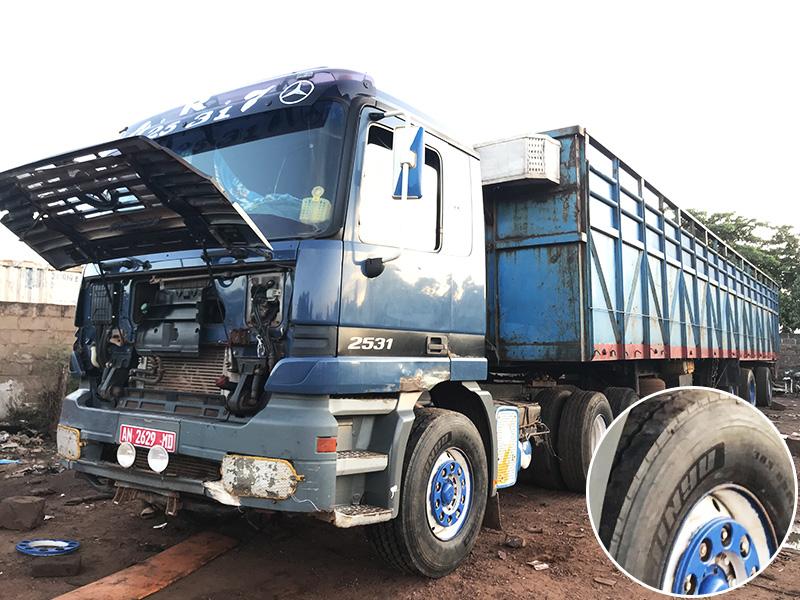 Jinyu 385/65R22.5 JY598 are used in steer of truck