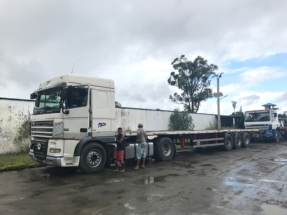 DAF Container Truck Jinyu Tyre Application Case in Madagascar